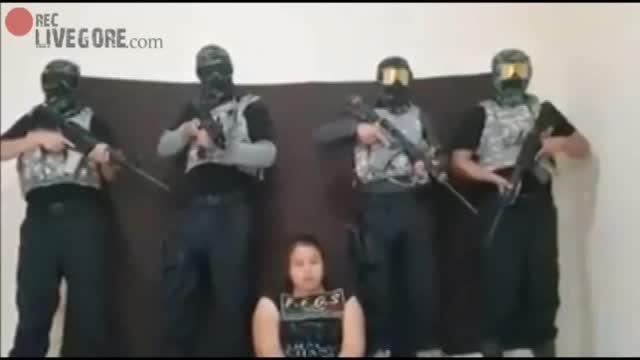 GULF CARTEL CELL SHOOTS WOMAN IN VERACRUZ WITH FEARSOME NARCOMENSAJE - LiveGore.com